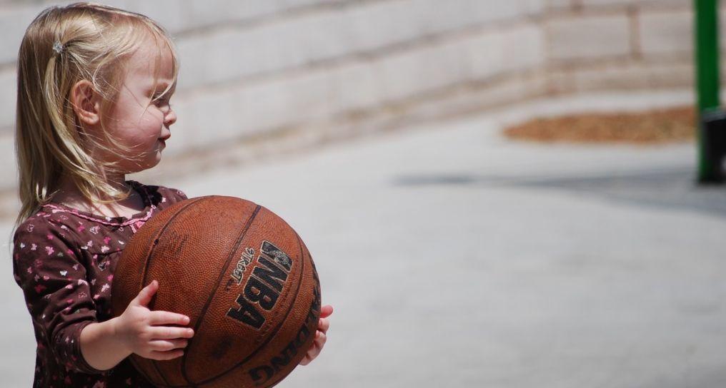 canasta de basquetbol infantil